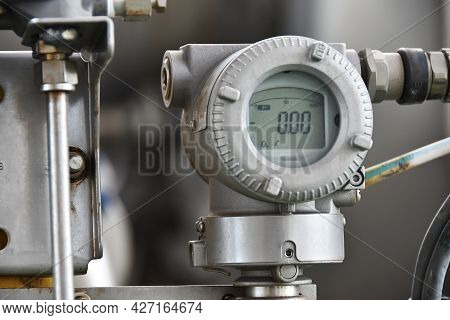 Pressure Transmitter In Oil And Gas Process, Send Signal To Controller And Reading Pressure In The S