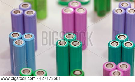 New Colour Coded Round Lithium Ion Battery Cells