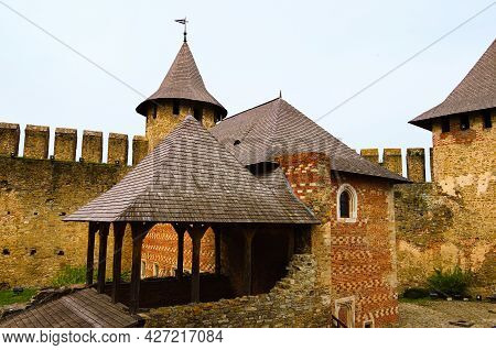 Khotyn, Ukraine-may 14, 2021:scenic Wide-angle View Of Courtyard With Ancient Stone Buildings In The