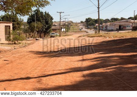 Planaltina Goias, Brazil-july 17, 2021: The Unpaved And Poorly Maintained Streets Of Planaltina, Tha