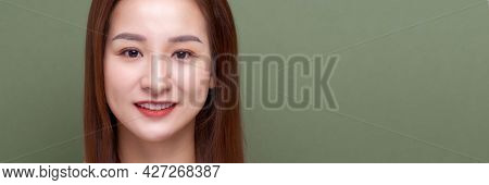 Cute Woman Smiling To Camera - Image
