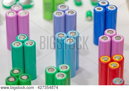 Colour Coded Round Lithium Ion Battery Cells