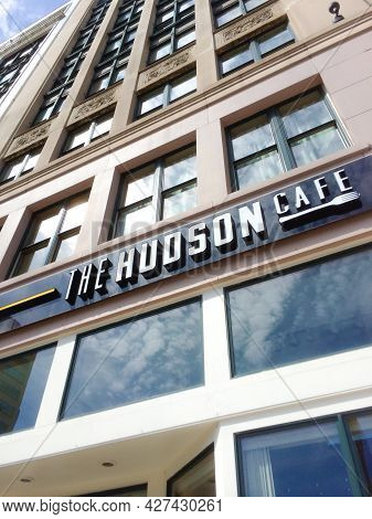 The Hudson Cafe On Woodward Avenue Building Sign And Facade Detroit Michigan  United States June 9 2