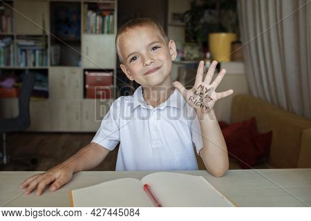 Happy Left-handed Showing His Left Hand With Text My Left Is Right, International Left-hander Day Ce
