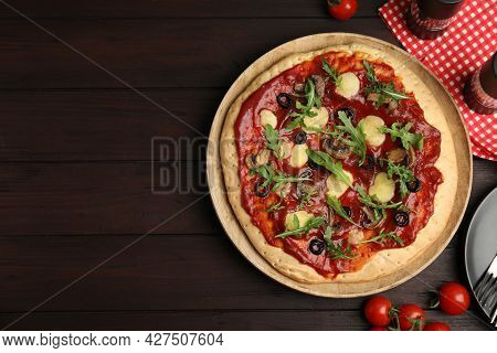 Pita Pizza With Cheese, Olives, Mushrooms And Arugula On Wooden Table, Flat Lay. Space For Text