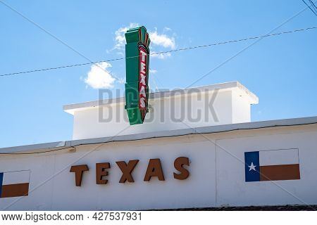 Shamrock, Texas - May 6, 2021: Exterior Of The Old Fashioned Texas Movie Theater, On A Sunny Day