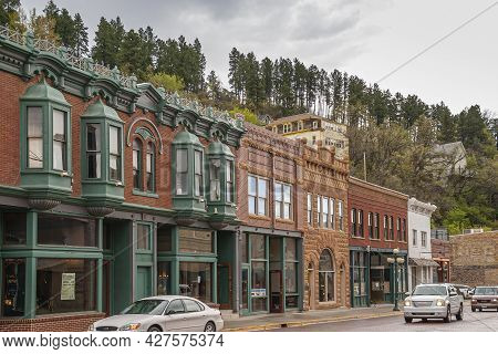 Deadwood Sd, Usa - May 31, 2008: Downtown Main Street. Row Of Businesses In Historic Brick Builidngs