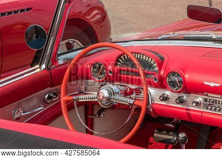 Homestead, Pennsylvania, Usa July 21, 2021 The Steering Wheel, Dashboard And Interior Of A Vintage R