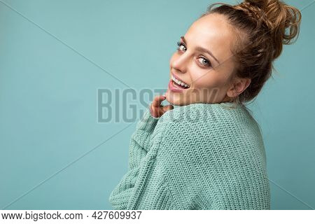 Close-up Portrait Of Nice-looking Attractive Lovely Lovable Pretty Cute Winsome Gorgeous Cheerful Ch