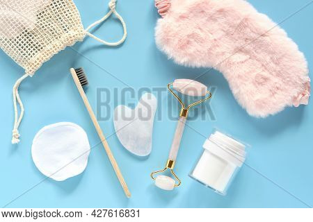 Tools For Daily Care Reusable Discs, Cream Jar, Bamboo Toothbrush, Fluffy Sleep Mask, Roller Quartz