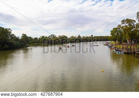 Wentworth, Nsw, Australia - November 30, 2014 : Competitors Preparing For A Speed-boat Racing Event