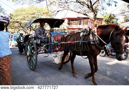 Burmese Ride Horse Drawn Vehicle Carriages Bring Burma People And Foreign Travelers Travel Visit Tou