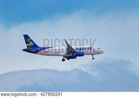 Denver, Usa-october 17: Airbus A320 Operated By Spirit Flies On October 17, 2020 Near Denver Interna