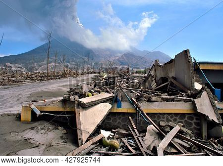 In Late October 2010, Mount Merapi In Central Java, Indonesia, Began An Increasingly Violent Series