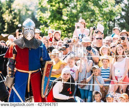 Minsk, Belarus - July 19, 2014: Historical Restoration Of Knightly Fights On Vi Festival Of Medieval