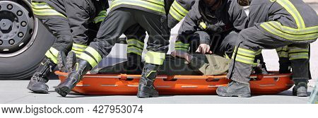 Brave Rescuers Recover The Injured With A Special Orange Stretcher To Transport The Injured