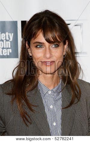 NEW YORK- OCT 8: Actress Amanda Peet attends the
