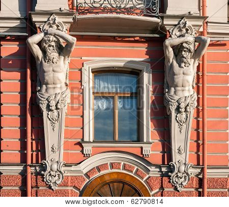 Detail Of The Exterior Of The Belosselsky-belozersky Palace Facade - Two Atlases Squlptures Holding