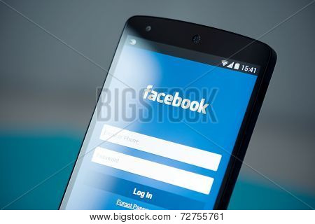 Facebook Login Page On Google Nexus 5