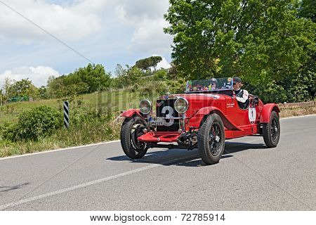 O.m. 665 Smm Superba (1930) Runs In Mille Miglia 2014