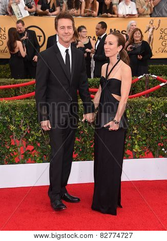 LOS ANGELES - JAN 25:  Edward Norton & Shauna Robertson arrives to the 21st Annual Screen Actors Guild Awards  on January 25, 2015 in Los Angeles, CA