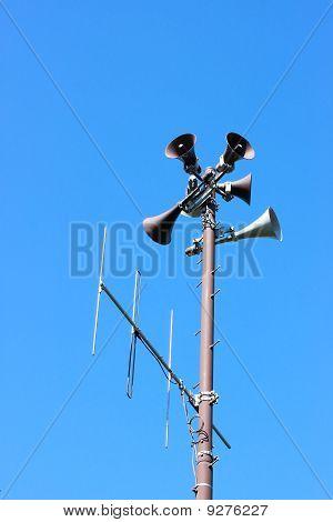 speakers tower