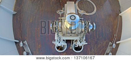Anchor winch mechanism with chain, up view