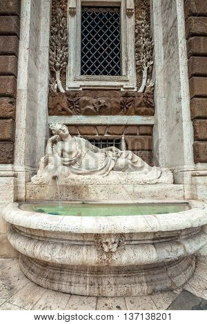 Fountain statue representing Diana goddess of the hunt, symbol of strenght and power. By Domenico Fontana and Pietro Berrettini. Rome, Italy.