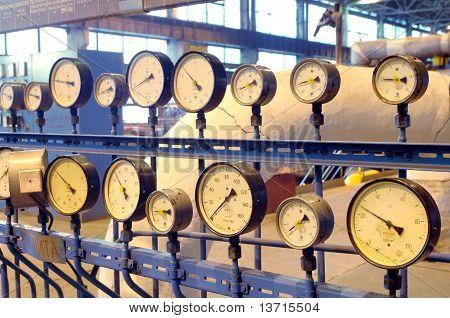 Tachometers Arrows