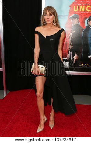 NEW YORK-AUG 10: Moeldel Jacqui Ainsley attends