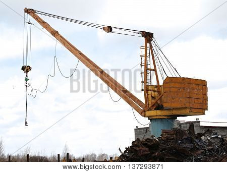 crane to move the scrap metal and other materials
