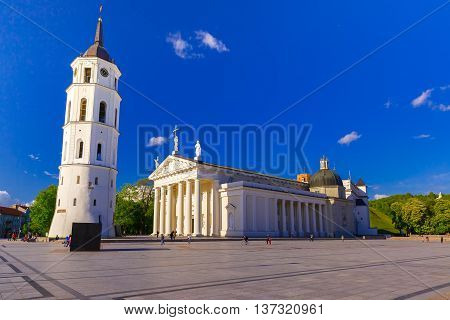 Cathedral Square, Cathedral Basilica of St Stanislaus and St Vladislav and bell tower in the morning, Vilnius, Lithuania, Baltic states.