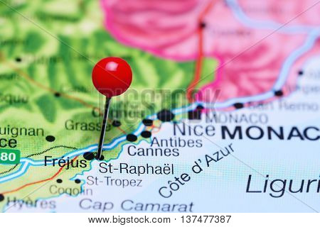 St-Raphael pinned on a map of France