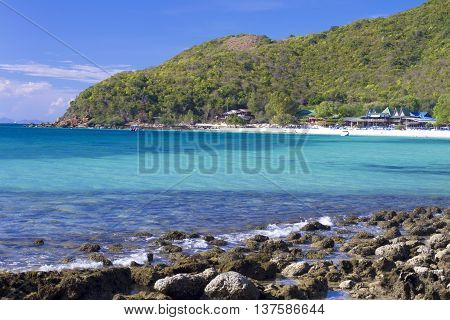 Seascape in blue sky day at Koh Larn Pattaya Thailand