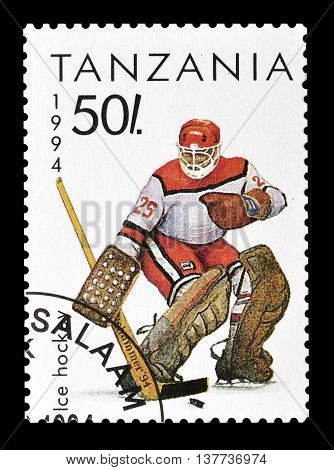 TANZANIA - CIRCA 1994 : Cancelled postage stamp printed by Tanzania, that shows Ice hockey.