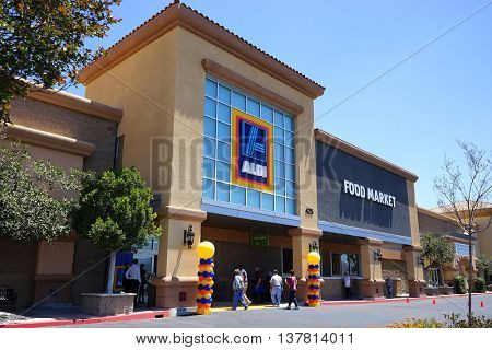 SIMI VALLEY - JUN 16: Aldi Store grand opening on June 16, 2016 in Simi Valley, California.  Aldi is a low price grocery outlet that is rapidly expanding in the USA.