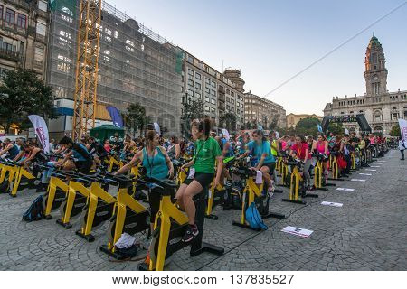 PORTO, PORTUGAL - JUL 9, 2016: Participants Porto Are In Good Form. This program takes sport to the street, providing sports animation. Participation is free of charge and does not imply enrollment.