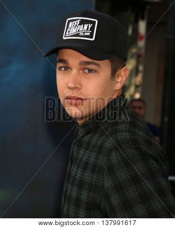 LOS ANGELES - JUL 9:  Austin Mahone at the Ghostbusters Premiere at the TCL Chinese Theater IMAX on July 9, 2016 in Los Angeles, CA