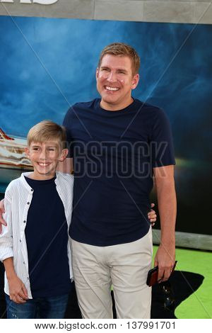 LOS ANGELES - JUL 9:  Grayson Chrisley, Todd Chrisley at the Ghostbusters Premiere at the TCL Chinese Theater IMAX on July 9, 2016 in Los Angeles, CA