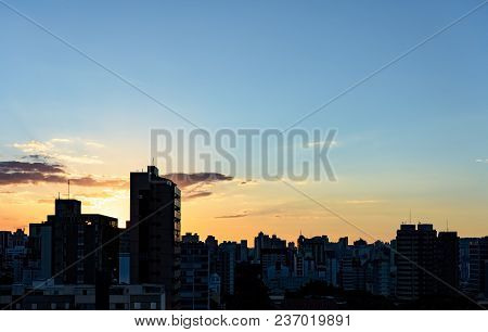 View Of The Sunset In The City Of Belo Horizonte In Minas Gerais With Its Buildings In The Backgroun