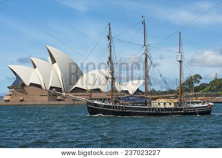 Sydney, Australia - March 24, 2018: Three-masted Sailing Yacht And Sydney Opera House In The Backgro