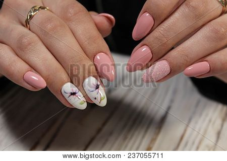 Beautiful Fashion Manicure