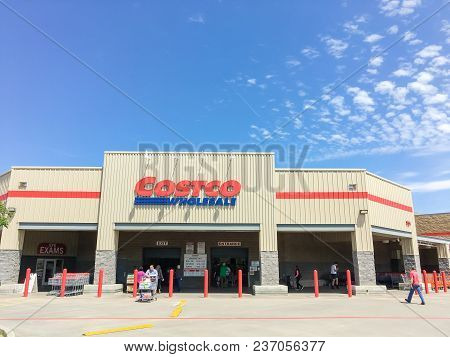 Costco Wholesale Storefront In Lewisville, Texas, Usa