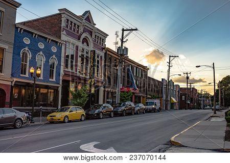 Lexington, Kentucky, Usa - June 19, 2017: A View Of The Historic Buildings Down Short Street In Lexi