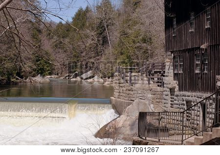 Portersville, Pennsylvania, Usa 4-20-2018 Mcconnells Mill Grist Mill Building. The Mill, One Of The