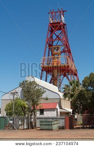 Kalgoorlie, Australia - January 27, 2018: Pit Frame Of An Old Gold Mine, Mining Museum In Kalgoorlie