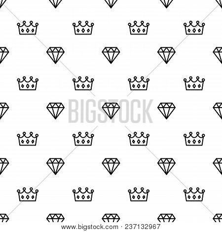 King And Queen Crown And Brilliant On Seamless Pattern Background. Pattern Royal Crown And Diamond O