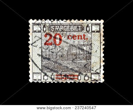 Germany - Circa 1921 : Cancelled Postage Stamp Printed By Germany, That Shows Railway Station.