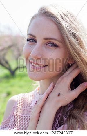 Ladybird On A Hand Krosivoj Blondes Spring