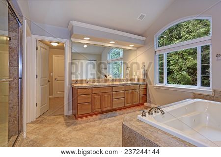 Stunning Master Bathroom With Double Vanity Cabinet